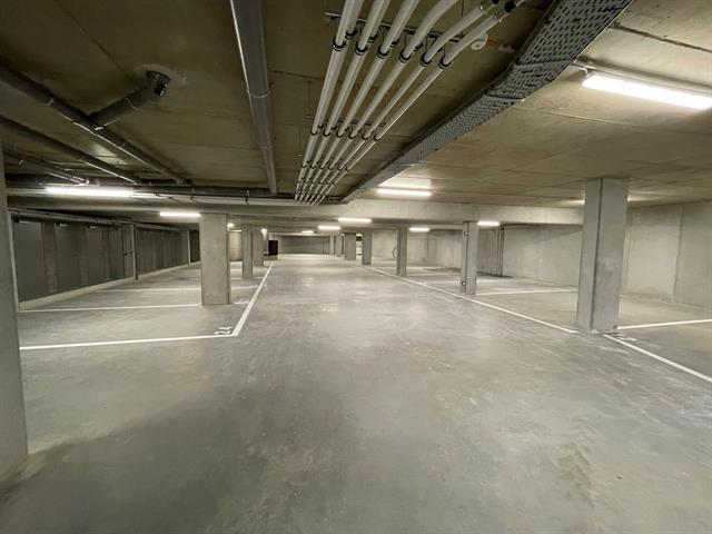 Garage / parking te koop in Niel