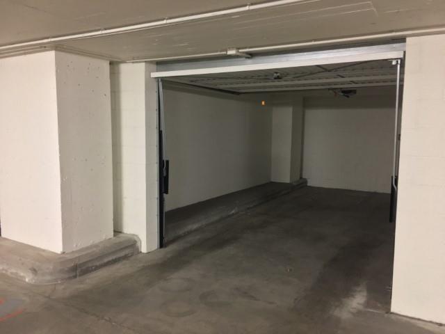Closed garage - bruxelles - #4139314-1