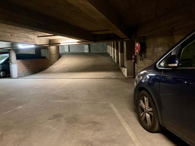 Garage / parking - under offer (sale) - 1000 Bruxelles