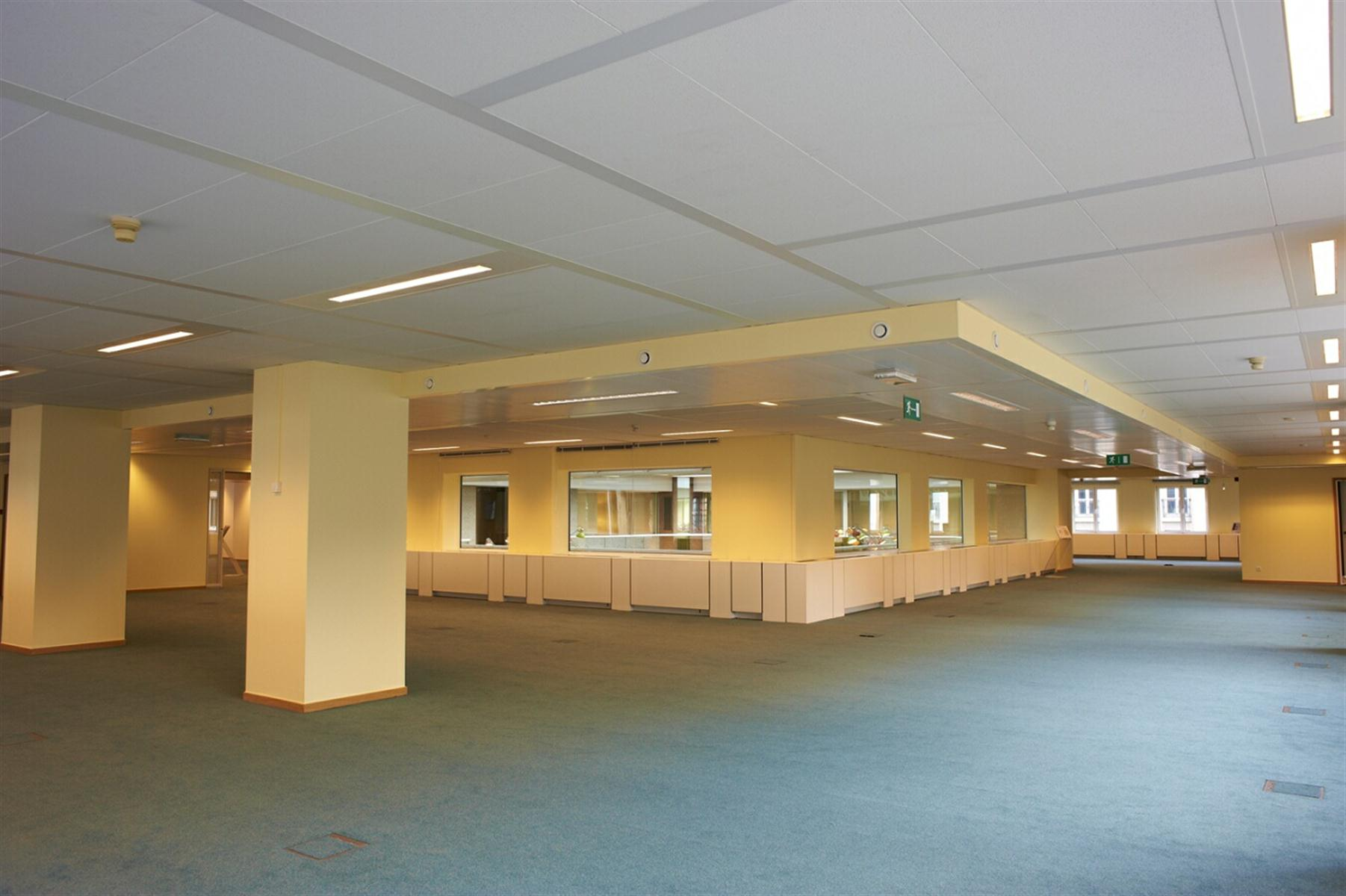 ROYAL CENTER OFFICE  ROYAL 180 - Bruxelles - #2974933-5