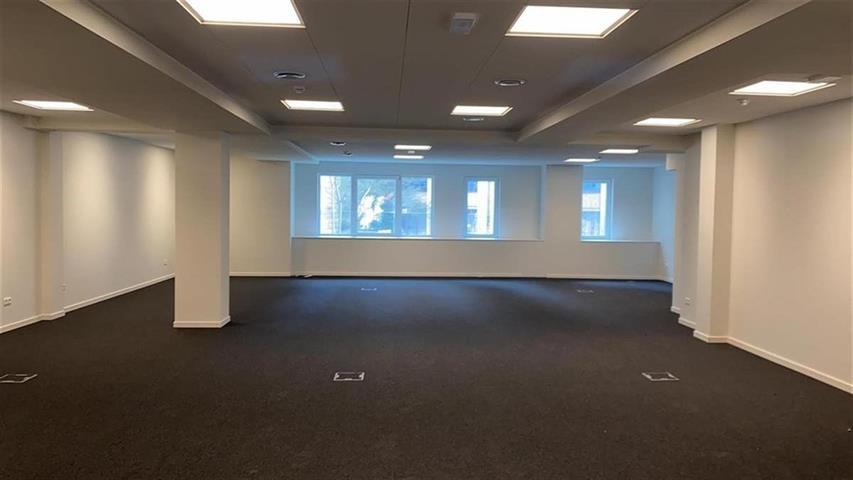 Kantoorgebouw - Saint-Josse-ten-Noode - #4201140-1