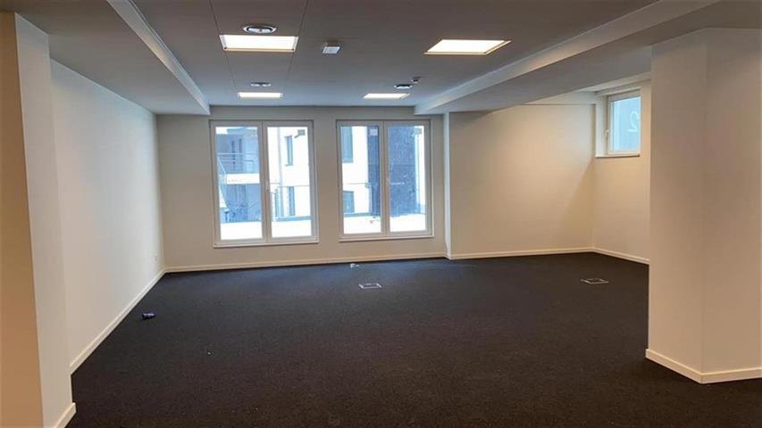Kantoorgebouw - Saint-Josse-ten-Noode - #4201140-2