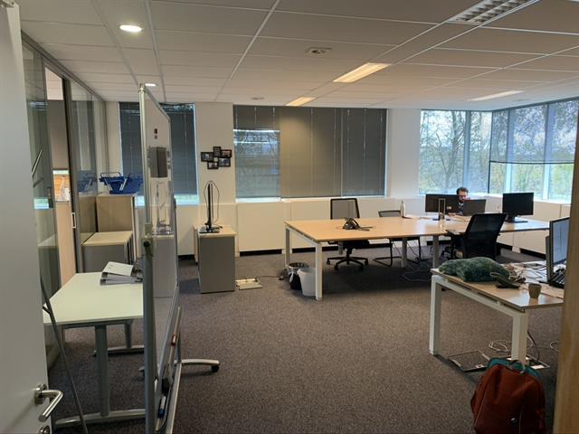 Immeuble de bureaux - Braine-l'Alleud - #4252830-1