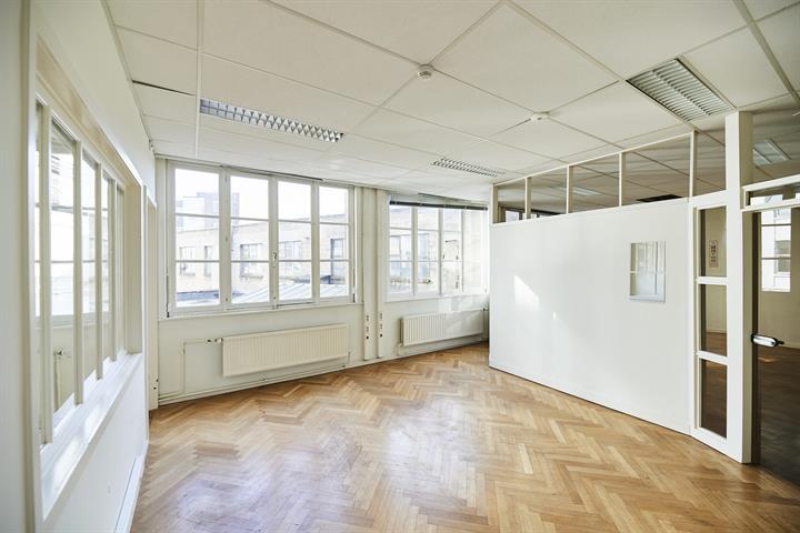 Kantoorgebouw - Anderlecht - #4382192-3