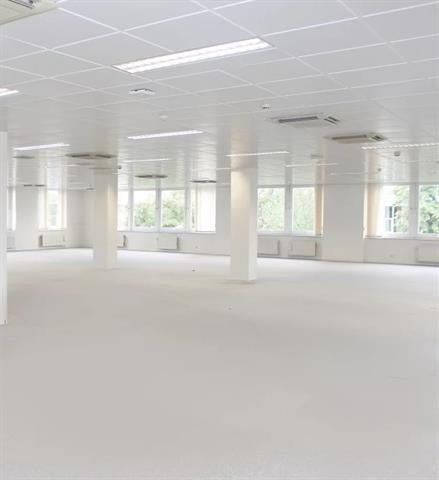 Kantoorgebouw - Anderlecht - #4447135-1