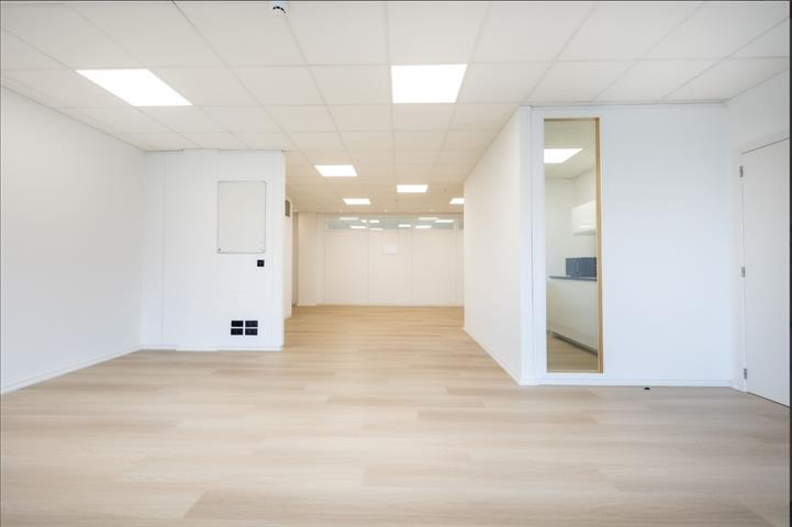 Kantoorgebouw - BRUSSELS - #4499312-4