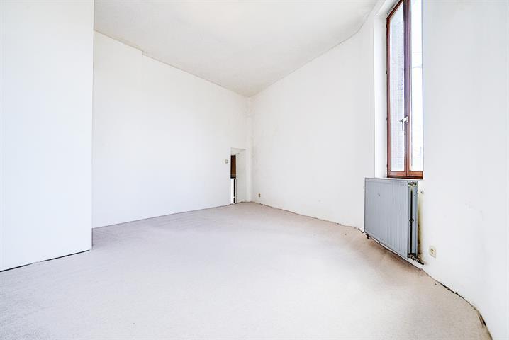 Maison - La Louvière Haine-Saint-Pierre - #4026923-4