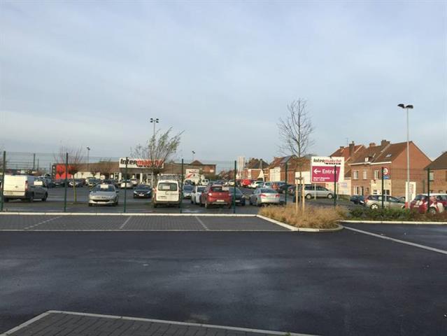 Prox gare, Emplacements Voiture parking clôturé