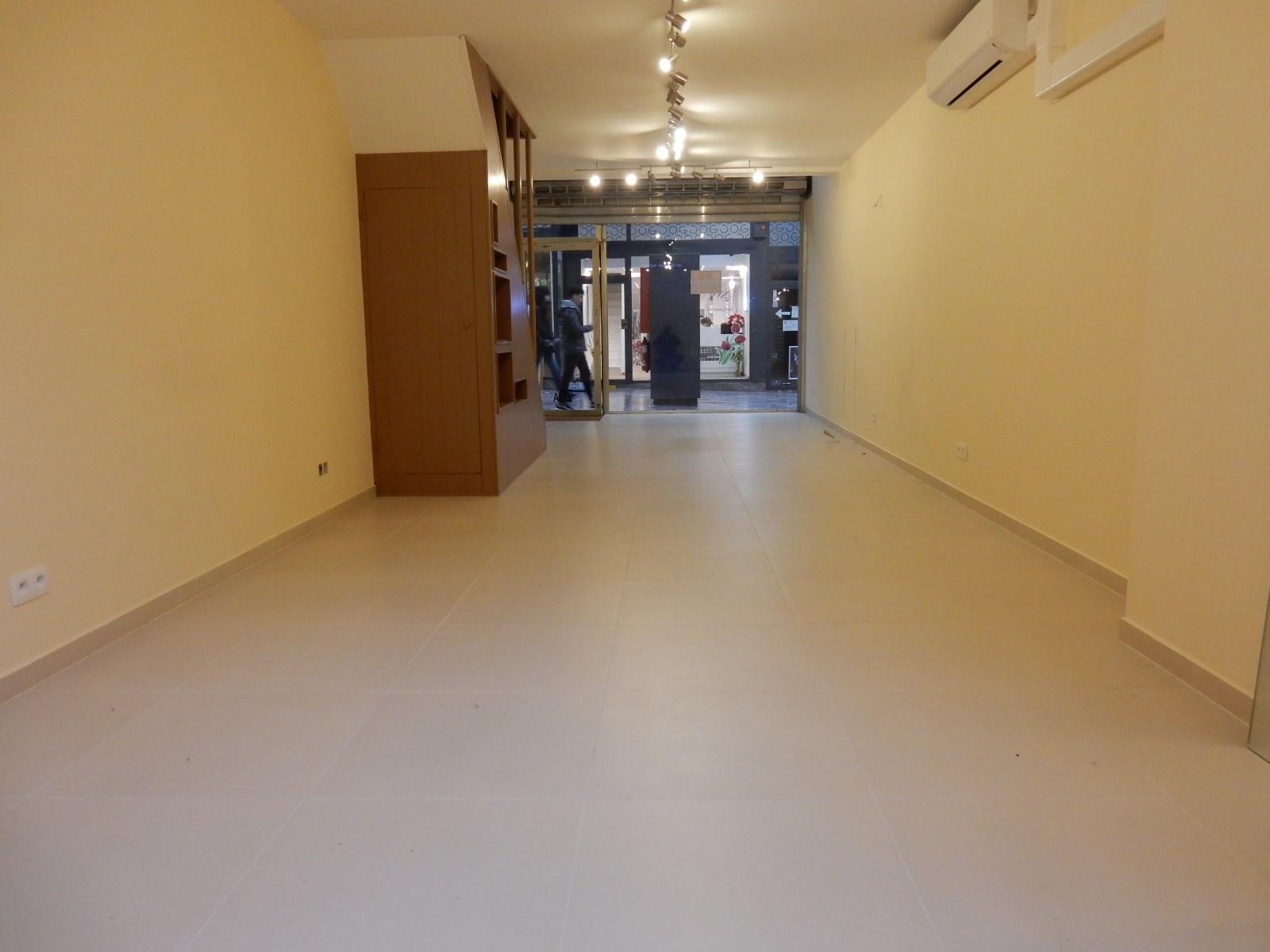 Commercial groundfloor - Etterbeek - #3645209-2