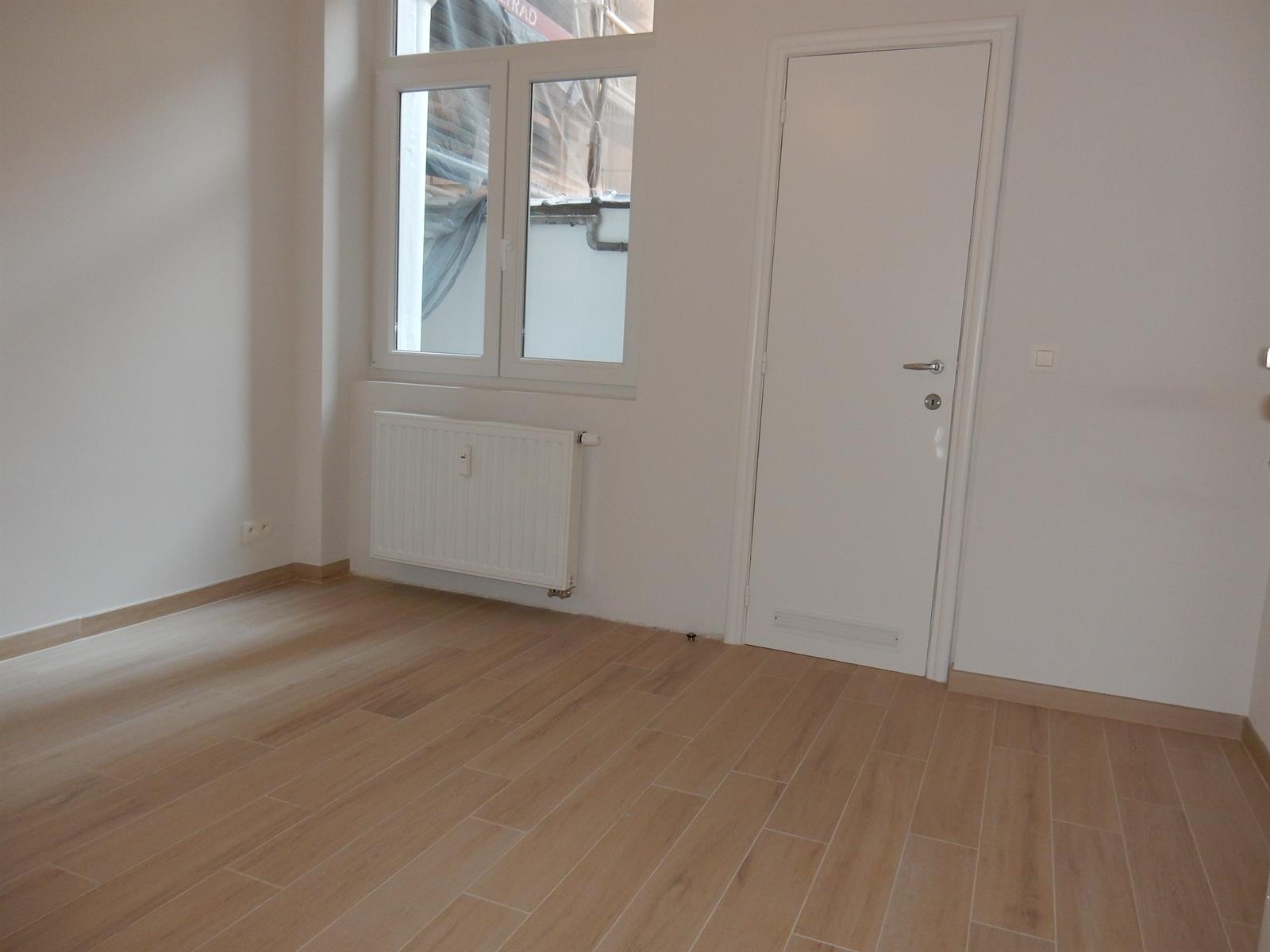 Gelijkvloerse verdieping - Bruxelles - #4137613-8