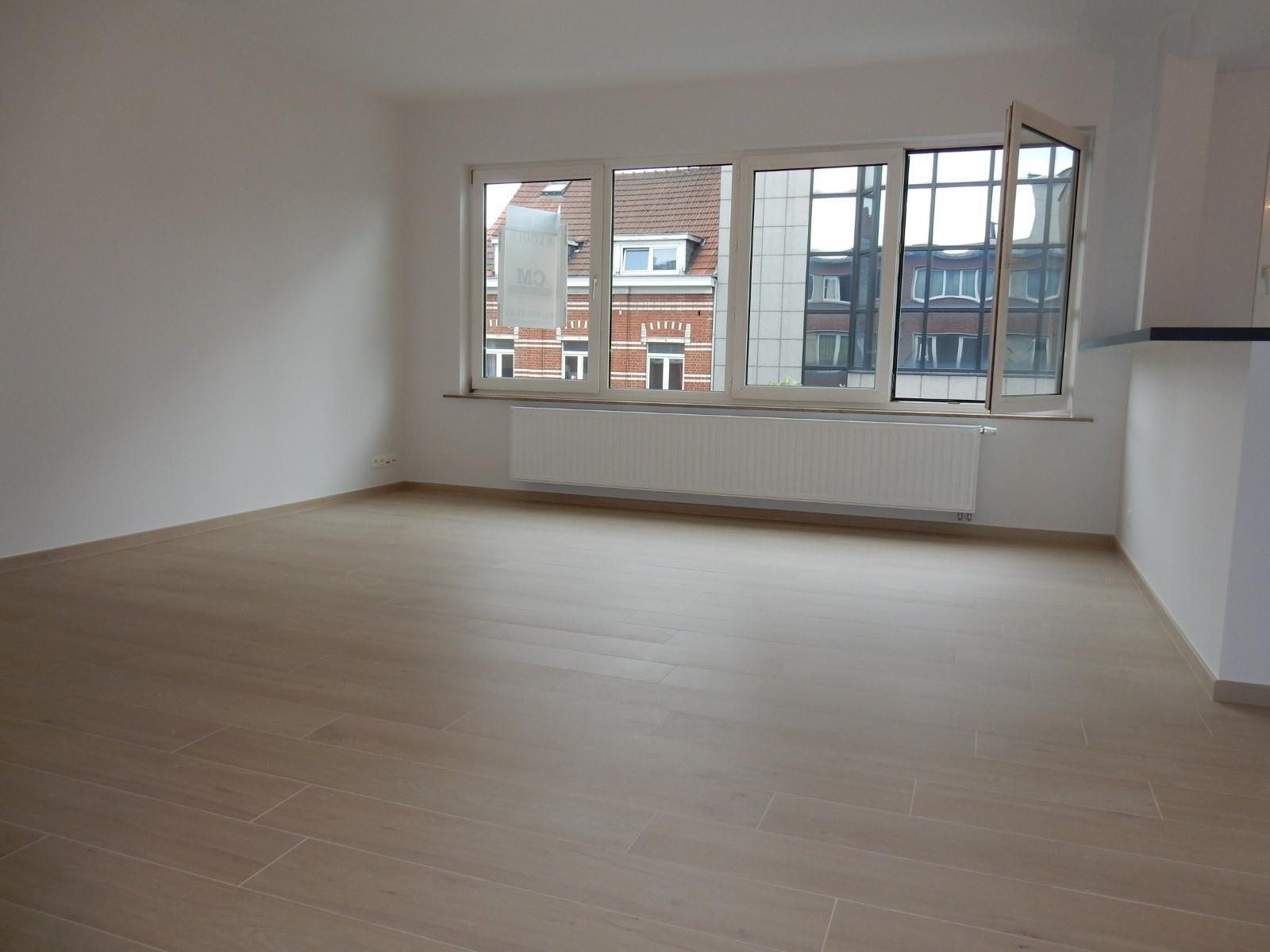 Appartement - Schaerbeek - #4137628-1