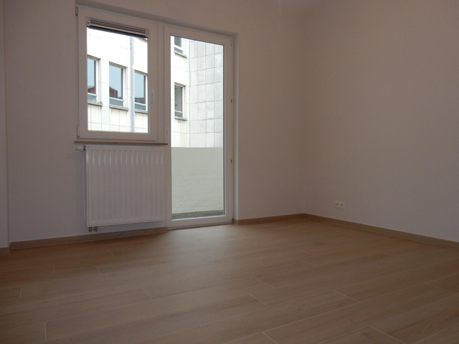Flat - Schaerbeek - #4137628-8