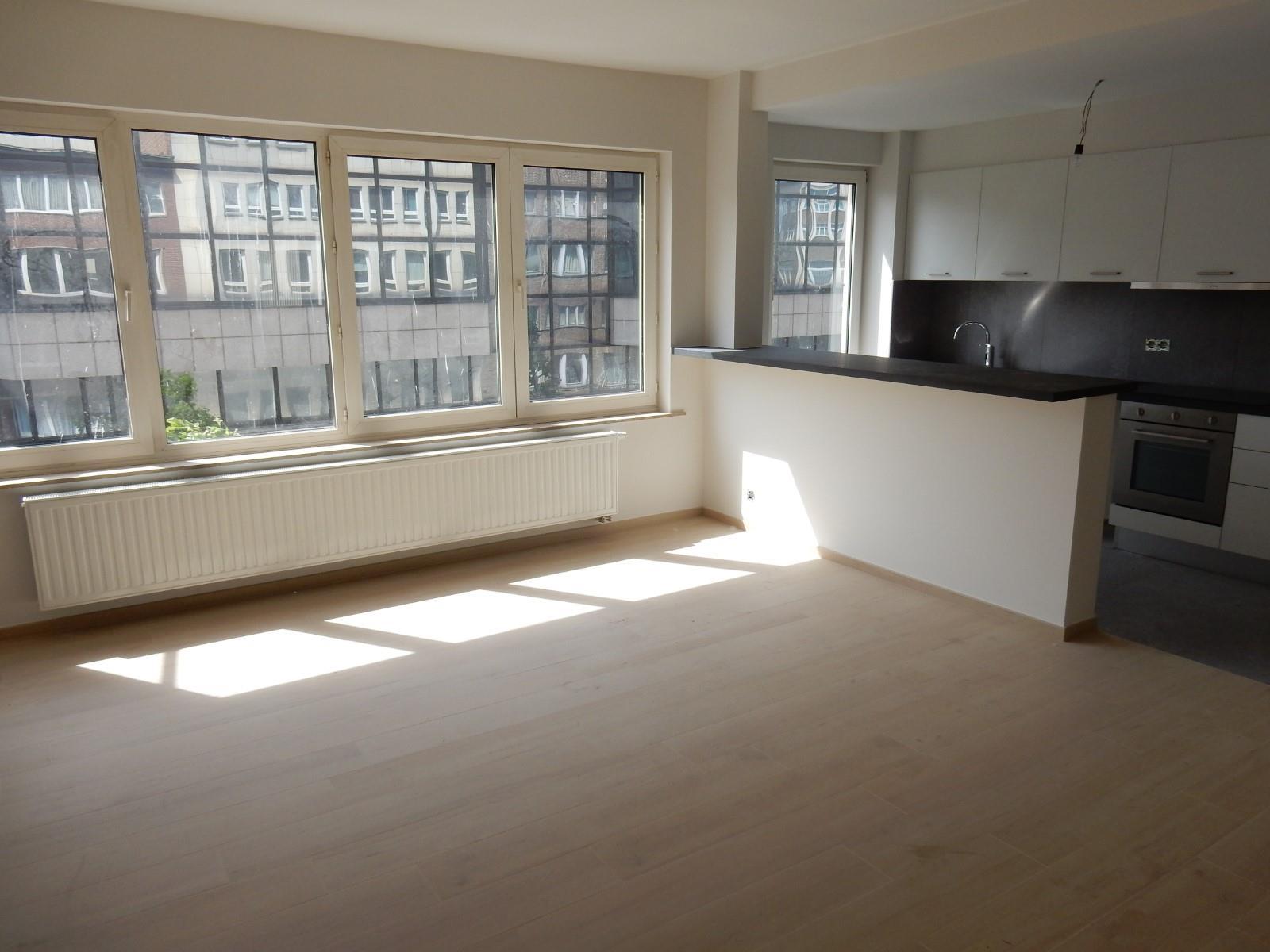 Appartement - Schaerbeek - #4137628-2
