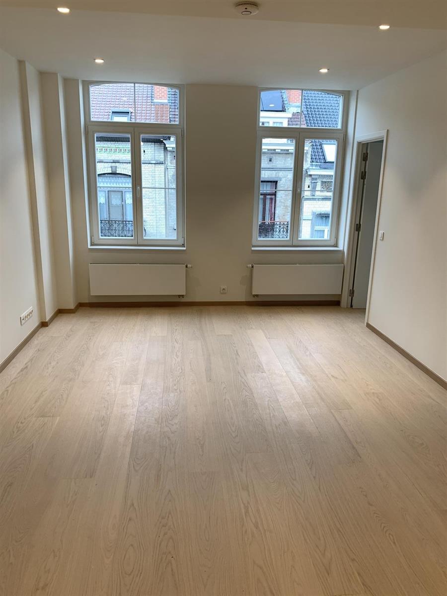 Flat - Ixelles - #4195630-0