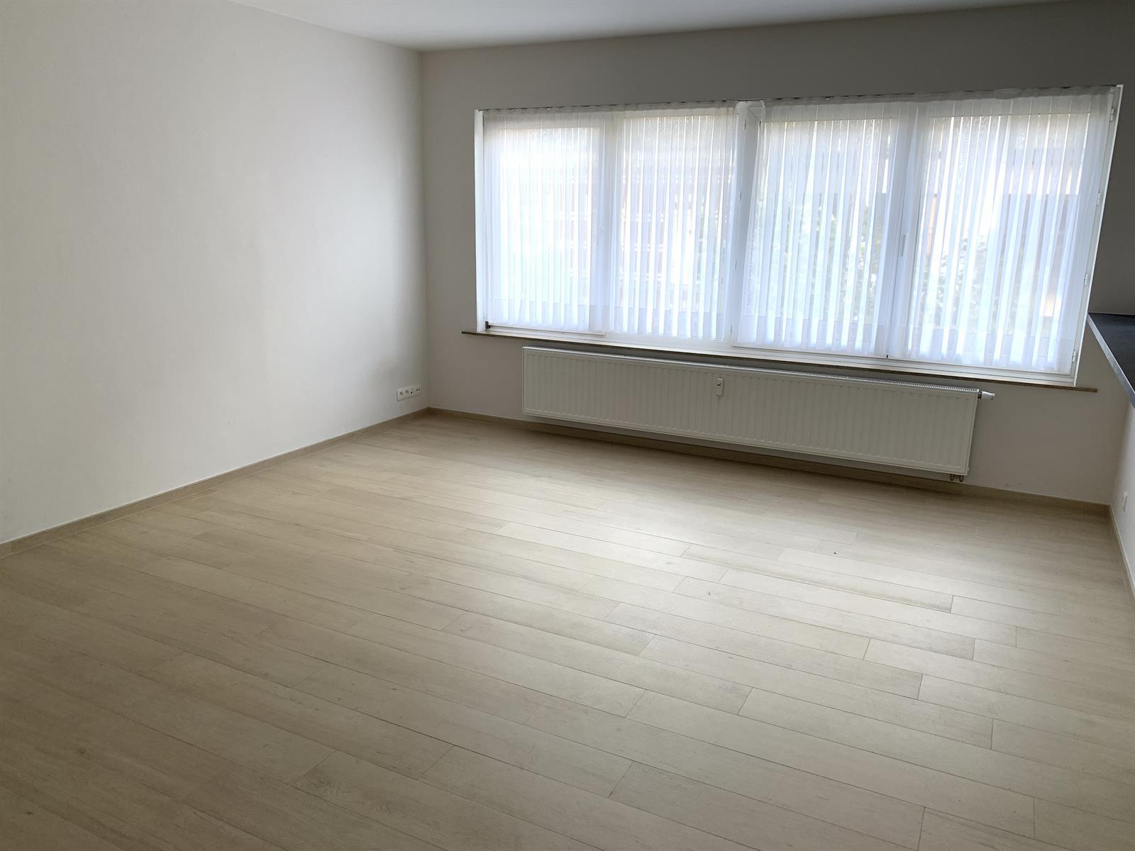 Flat - Schaerbeek - #4199444-4