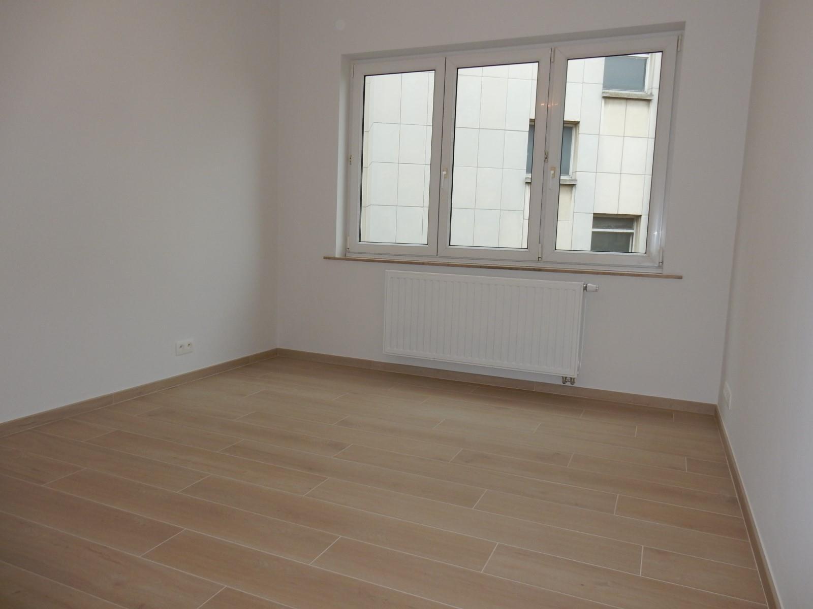 Flat - Schaerbeek - #4199444-8