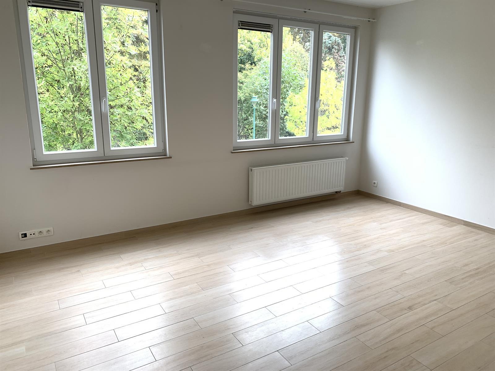 Appartement - Molenbeek-Saint-Jean - #4199507-1