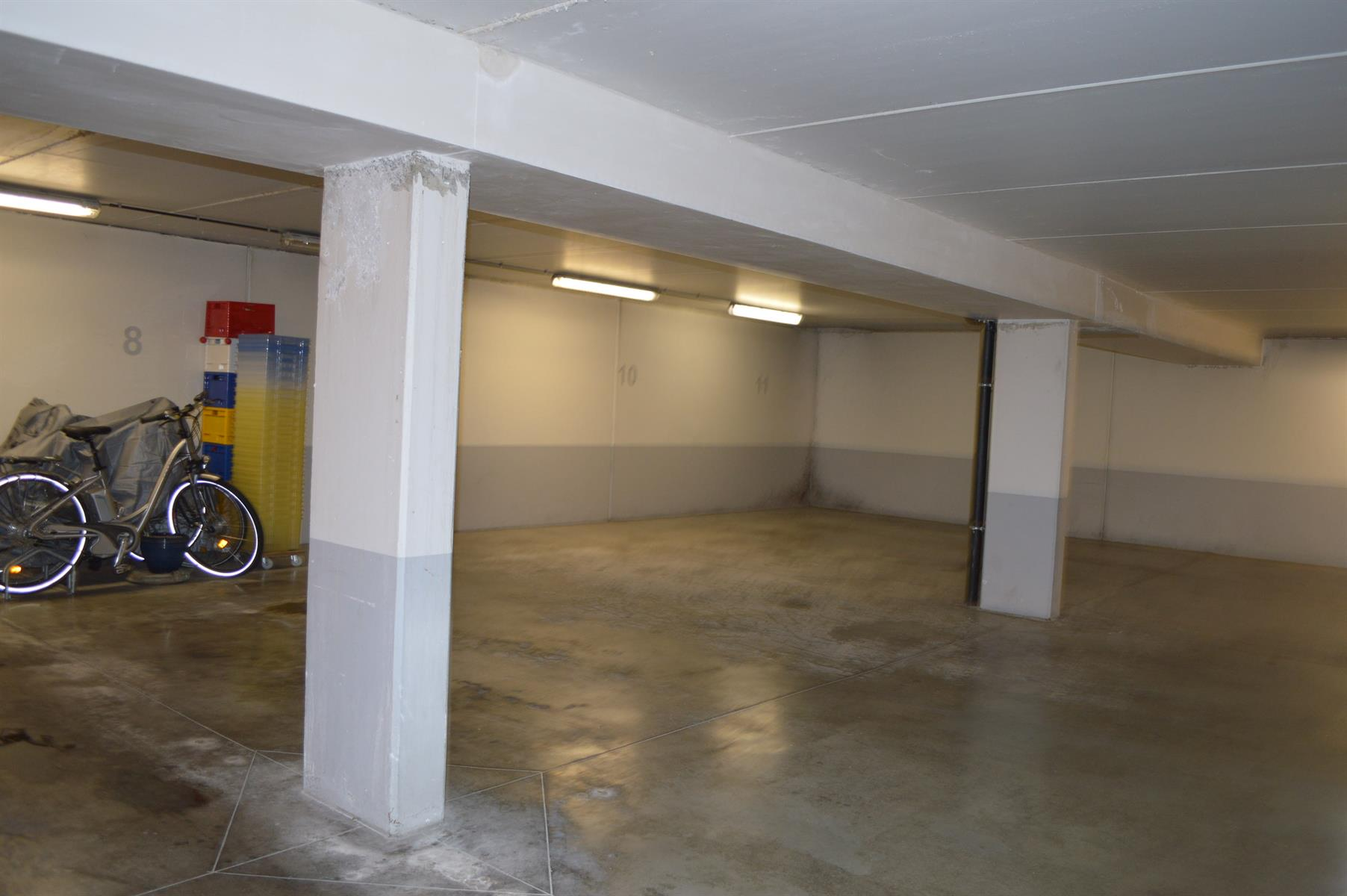 Inside parking - Woluwe-Saint-Pierre - #4199550-3