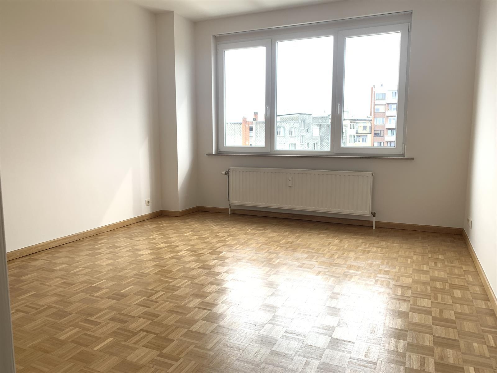 Flat - Schaerbeek - #4394057-9