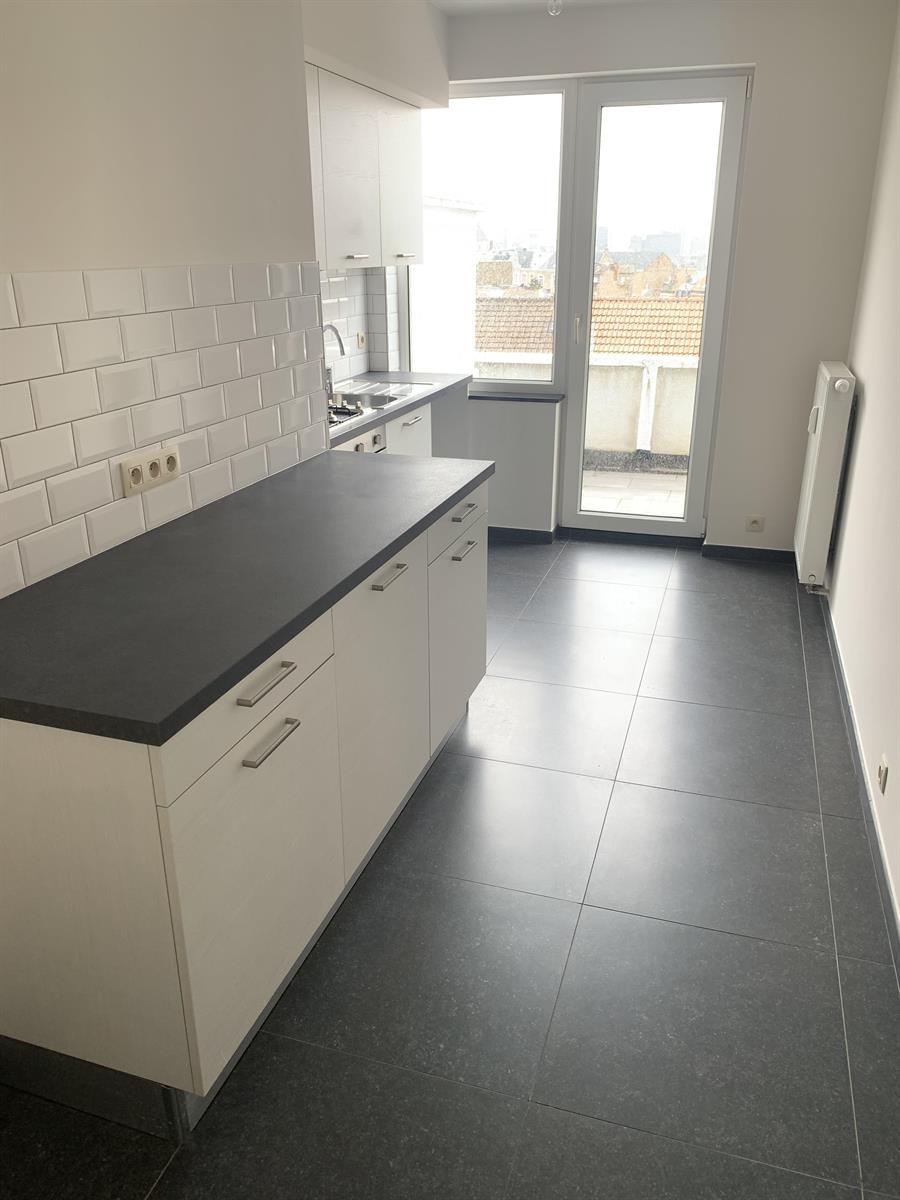 Flat - Schaerbeek - #4394057-8