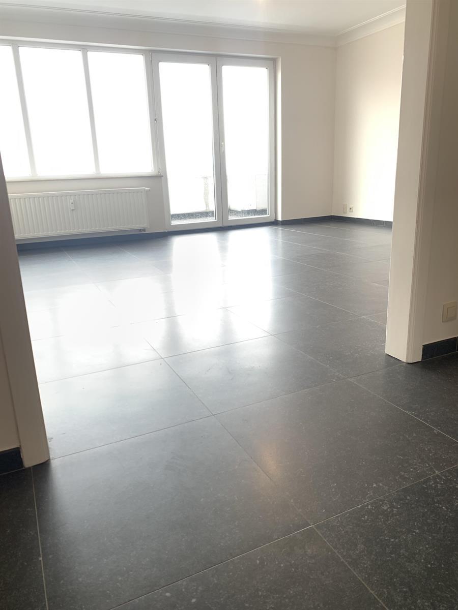 Flat - Schaerbeek - #4394057-4
