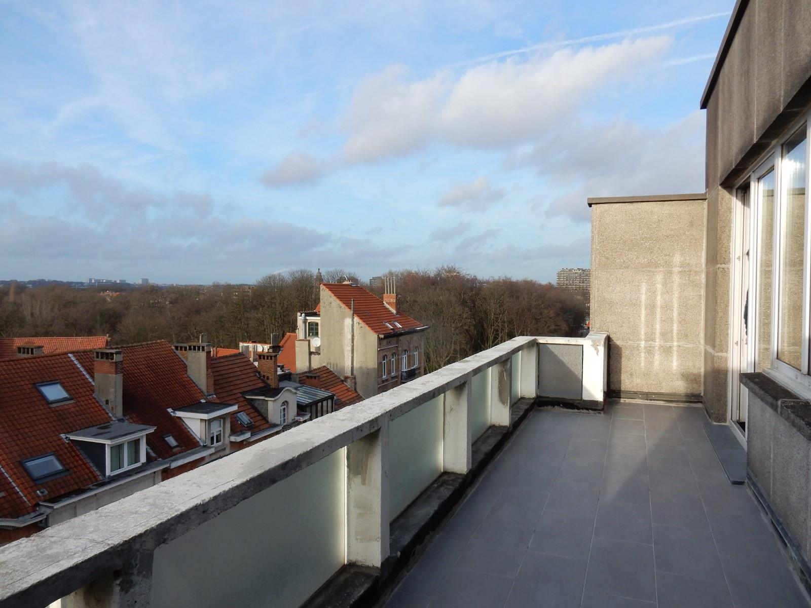 Flat - Schaerbeek - #4394057-0