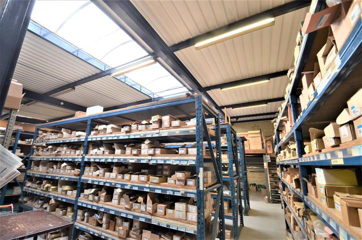 Entrepôt - Tournai - #4284545-6