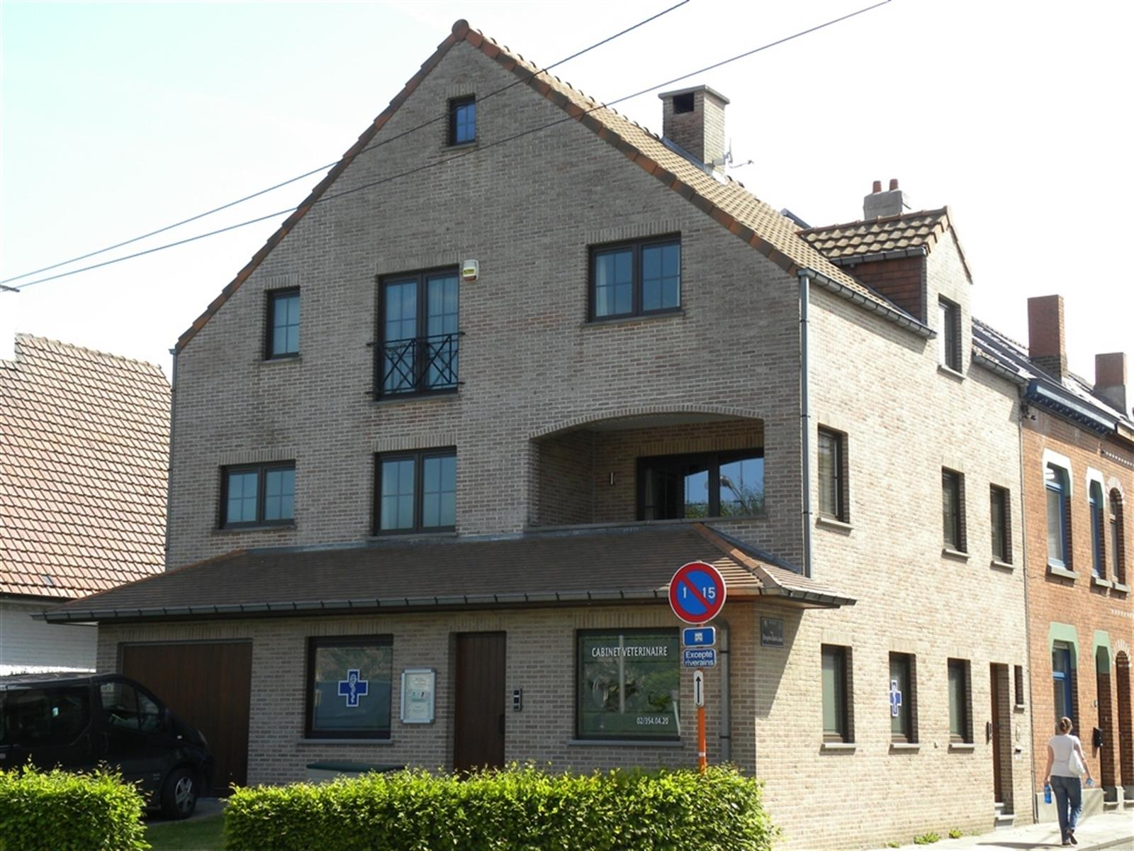 Duplex - Waterloo - #4133562-0