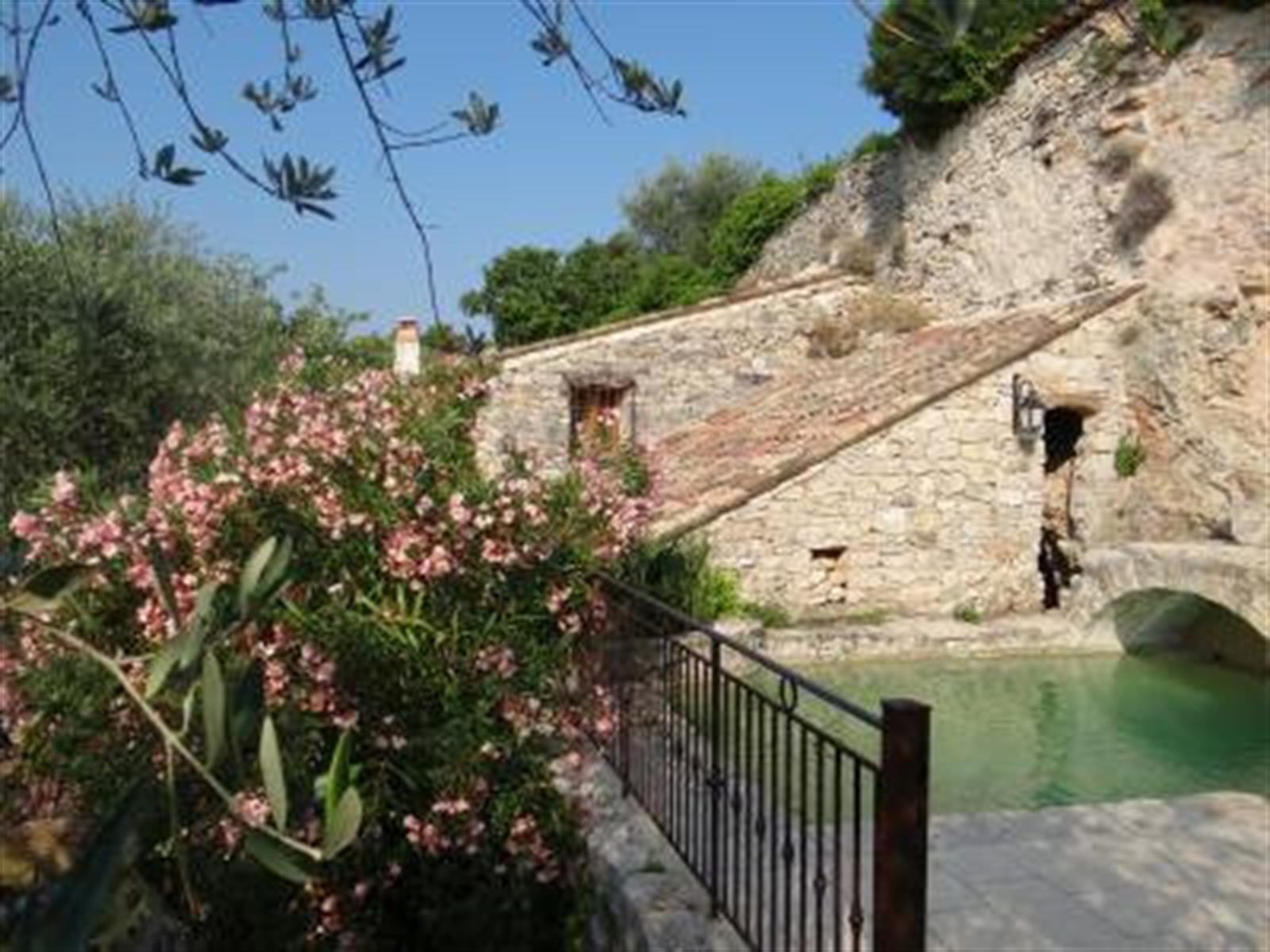 Maison de vacances - St-Cezaire-sur-Siagne (Grotte) - #4281618-0