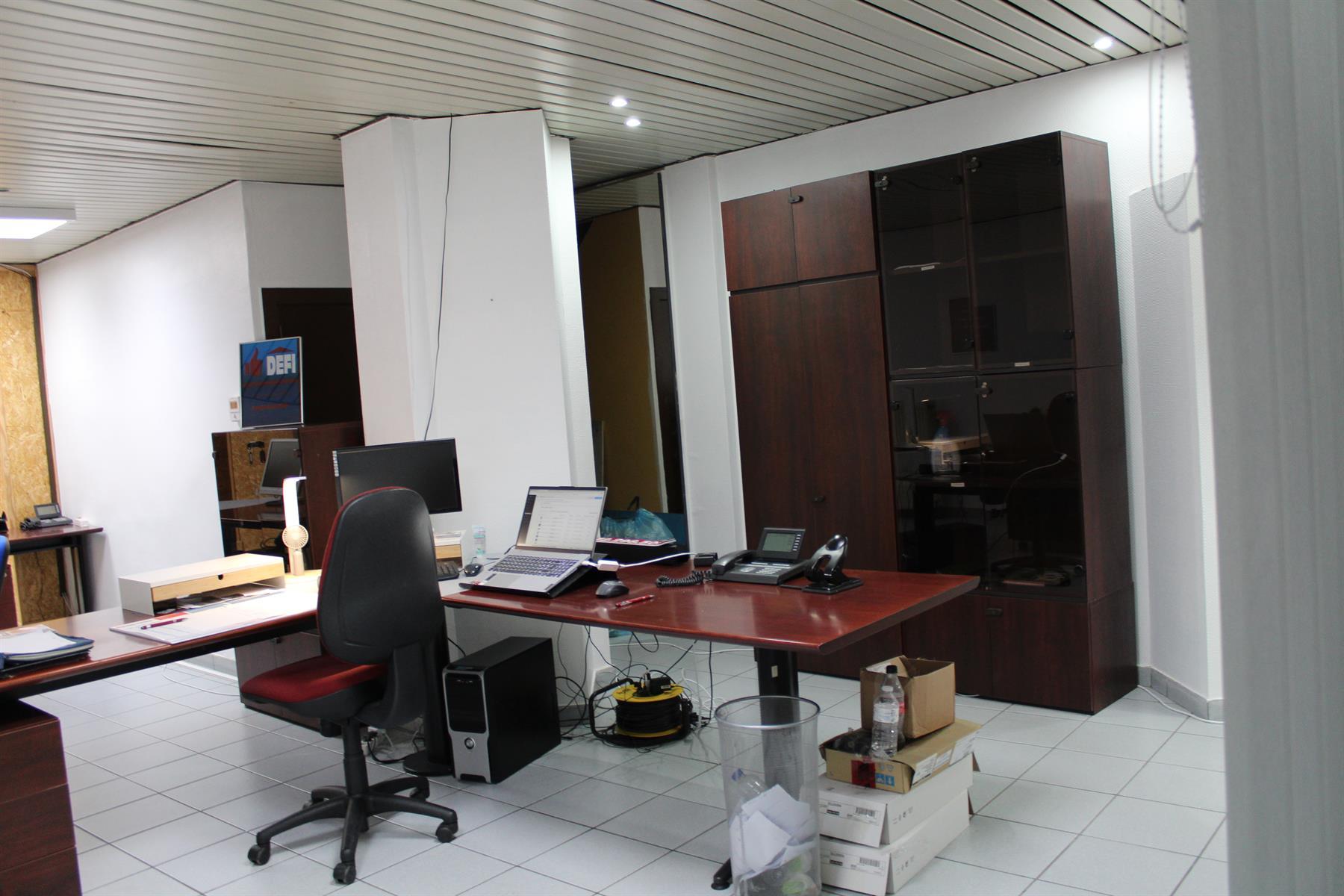 Immeuble de bureaux - Le Roeulx - #4403792-5