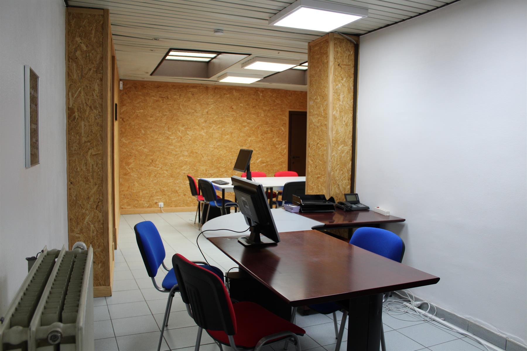 Immeuble de bureaux - Le Roeulx - #4403792-6