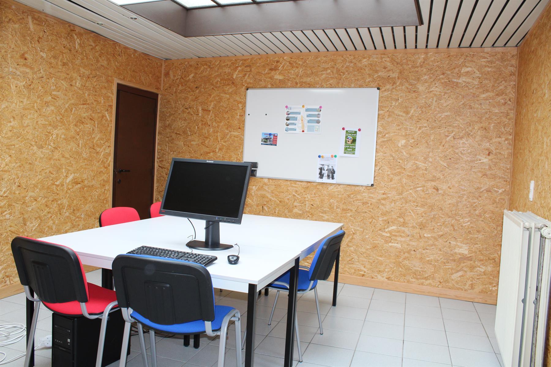 Immeuble de bureaux - Le Roeulx - #4403792-2