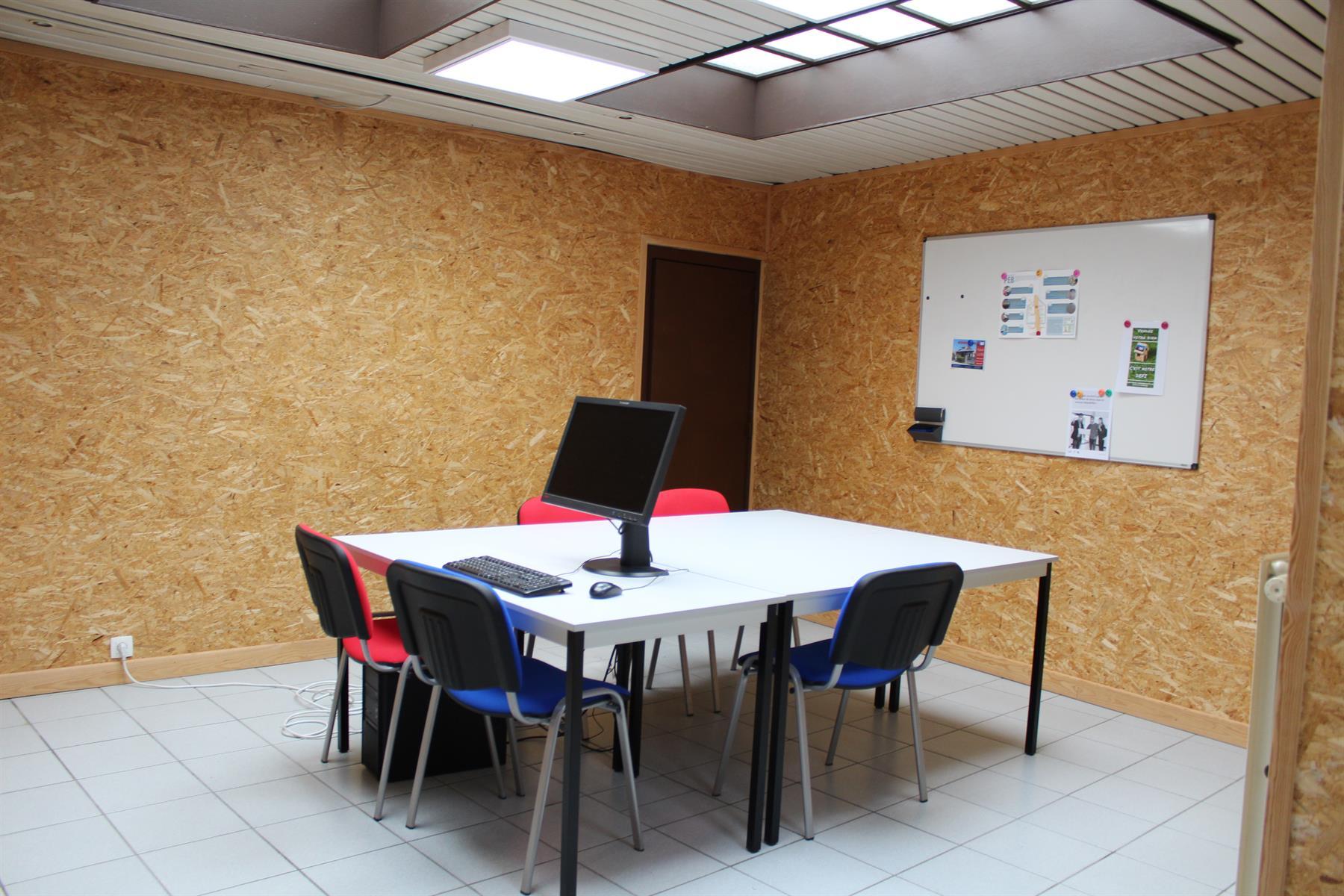 Immeuble de bureaux - Le Roeulx - #4403792-4