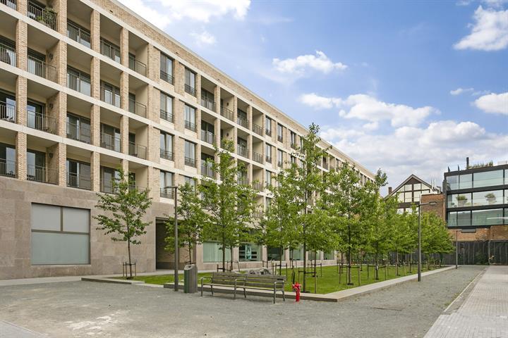 Makelaarskantoor De Meester, Commercieel|Commercieel gelijkvloers te 2000 Antwerpen