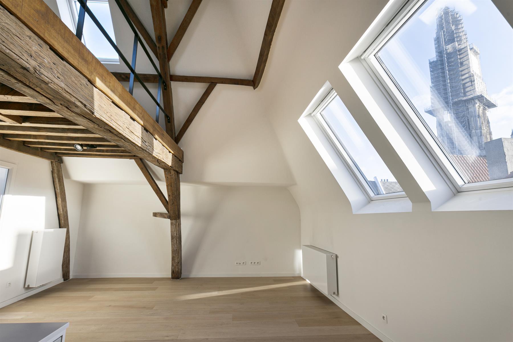 Makelaarskantoor De Meester, Huis|Appartementsgebouw te 2000 Antwerpen