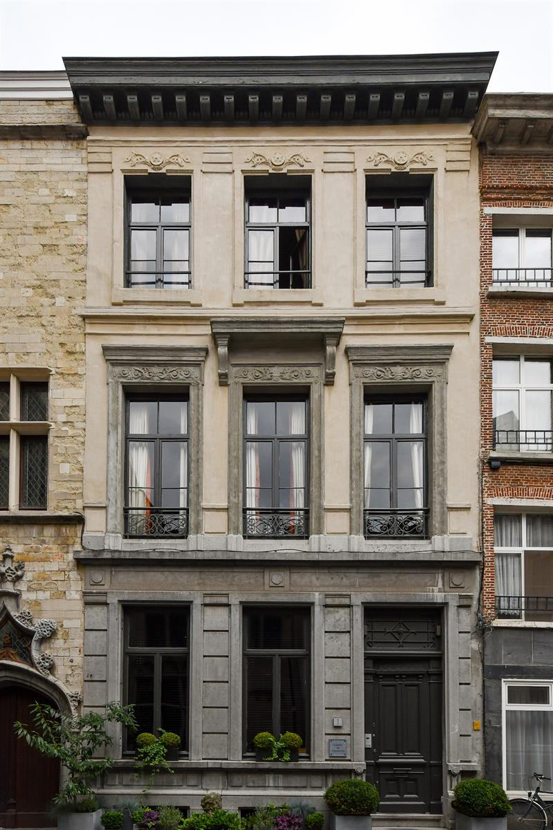 Makelaarskantoor De Meester, Huis Buitengewoon huis te 2000 Antwerpen