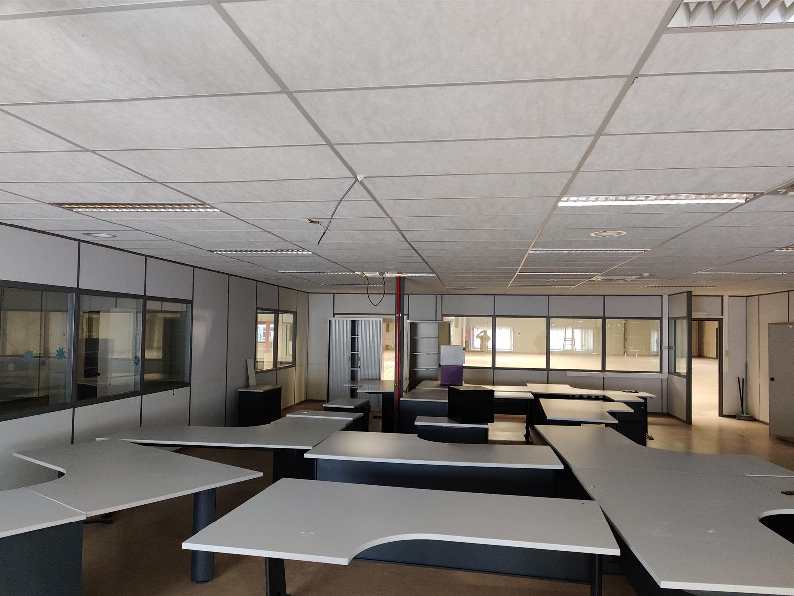 gebouw voor gemengd gebruik te huur I173 - Quatrieme Rue , 6040 Charleroi Jumet, België 25