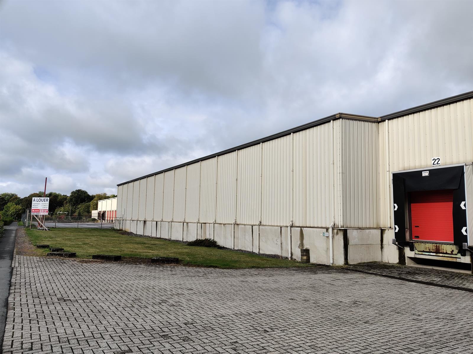 gebouw voor gemengd gebruik te huur I173 - Quatrieme Rue , 6040 Charleroi Jumet, België 3