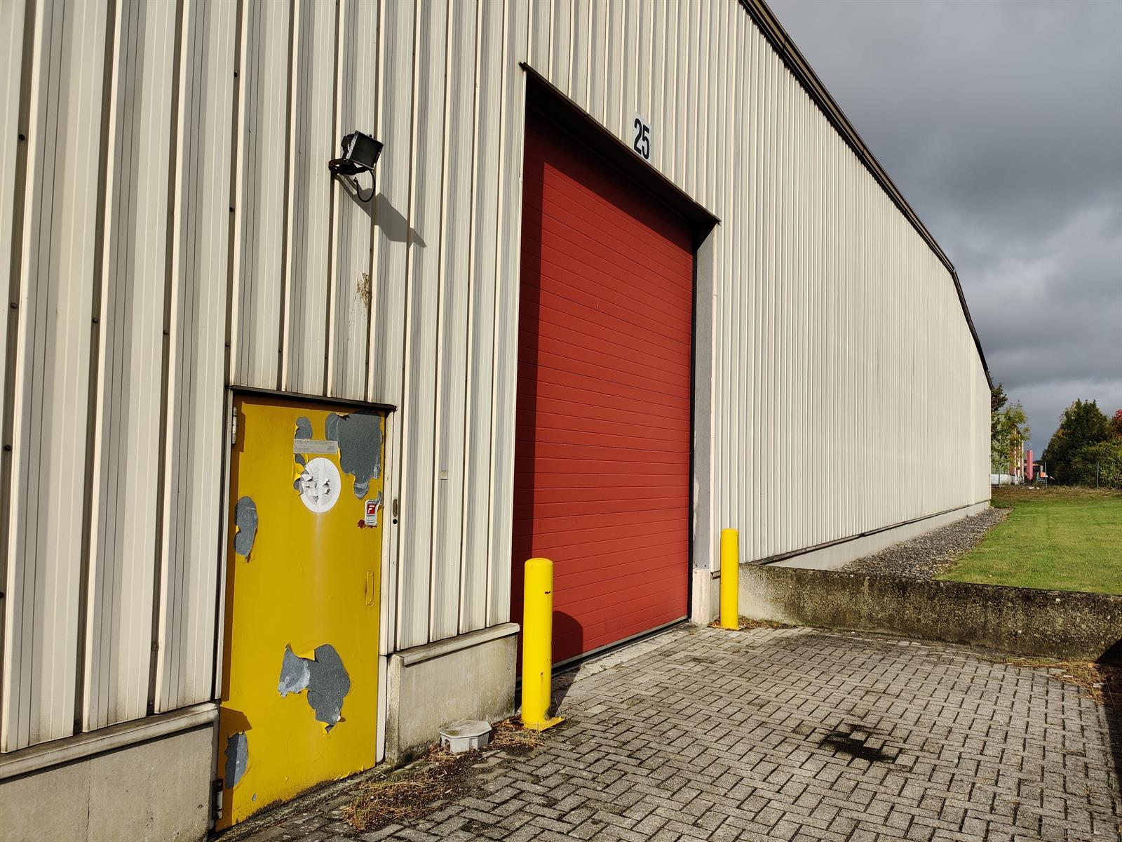 gebouw voor gemengd gebruik te huur I173 - Quatrieme Rue , 6040 Charleroi Jumet, België 5