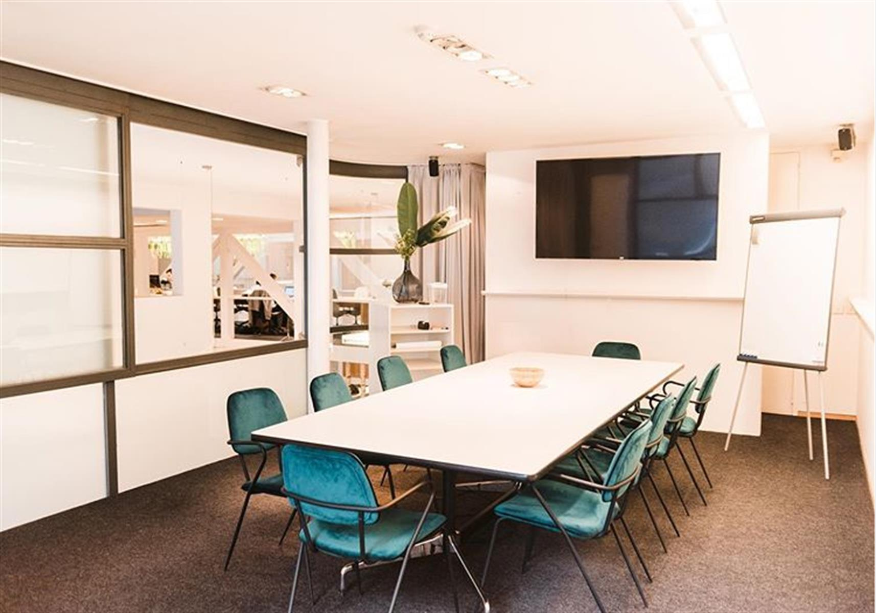 kantoor te huur Flexy - IJzerenpoortkaai 3, 2000 Antwerpen, België 3