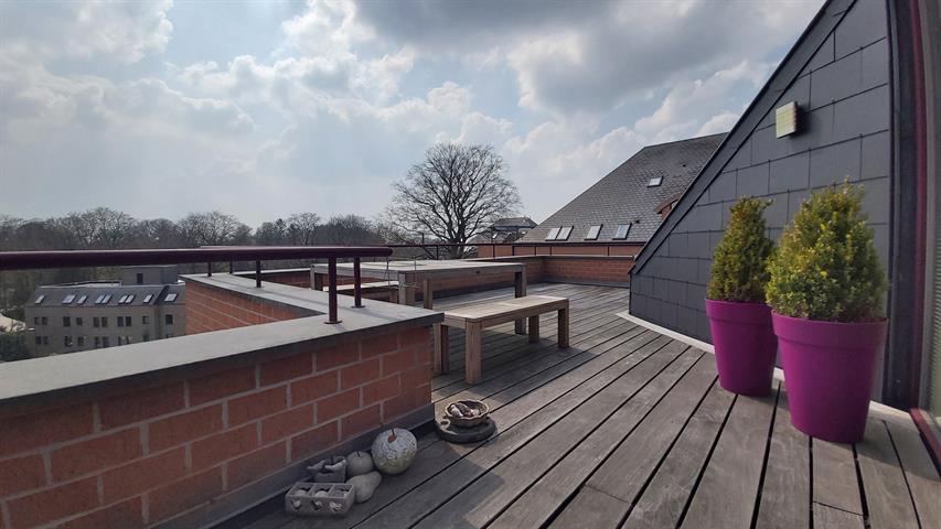 Magnifique penthouse 3 chambres de 170m²!
