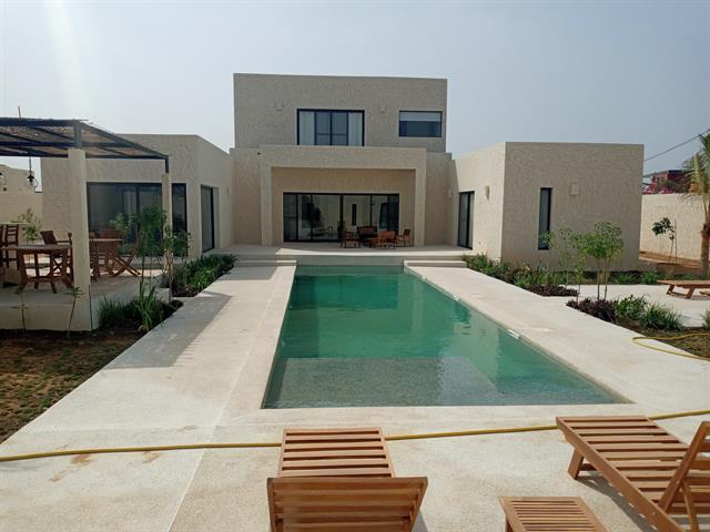 A louer Tr�s belle villa de 5 ch piscine livr�e le15 mars 2021