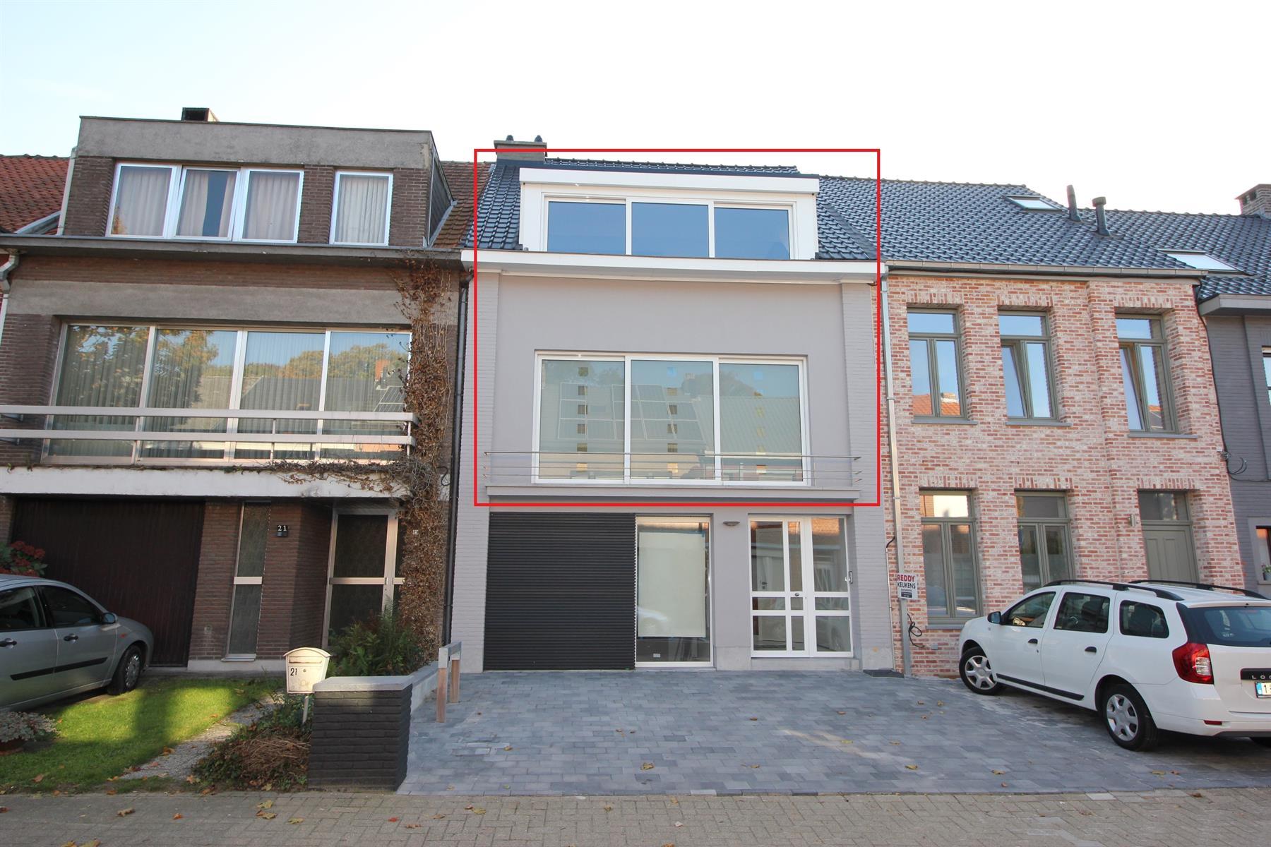 Prachtig duplex appartement met twee slaapkamers en autostaanplaats