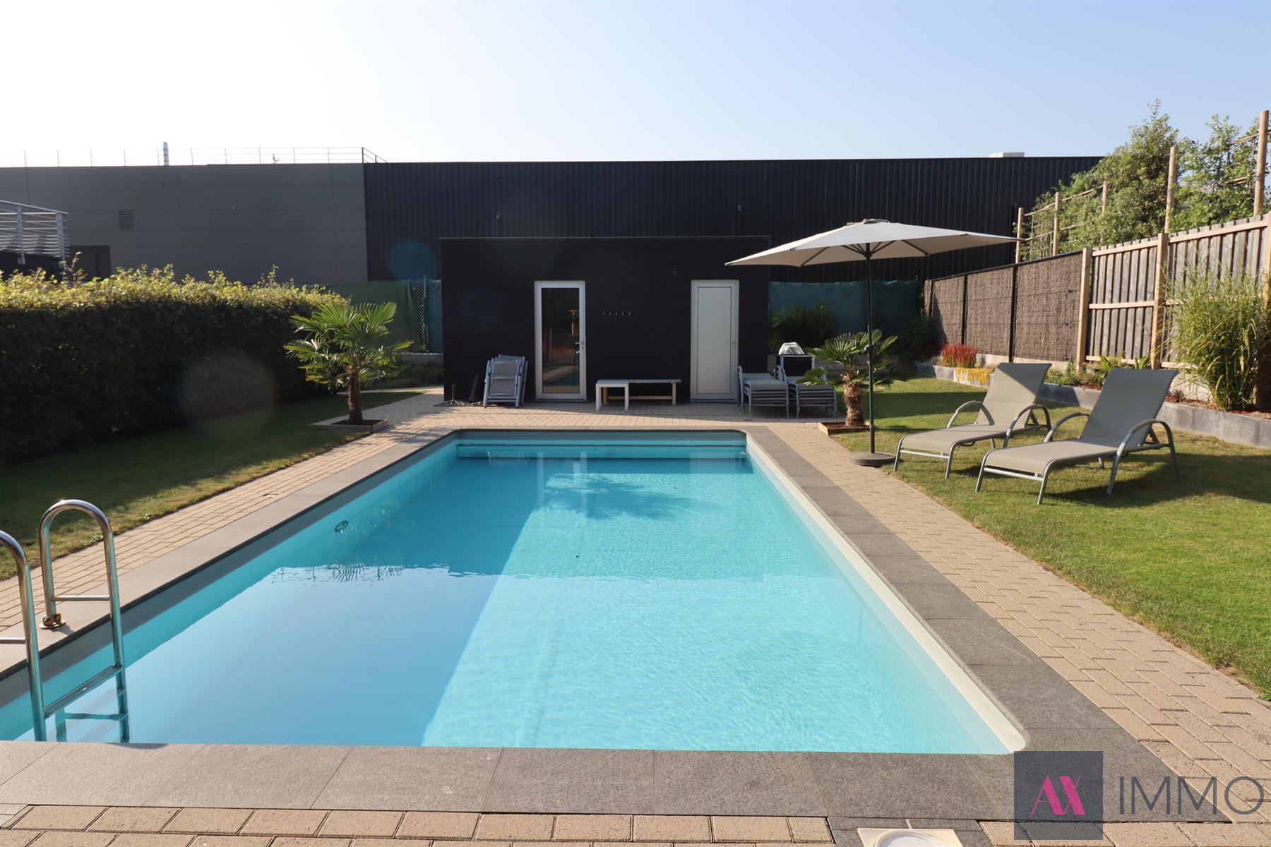 Appartement 3-slaapkamers met terras en gemeenschappelijk zwembad