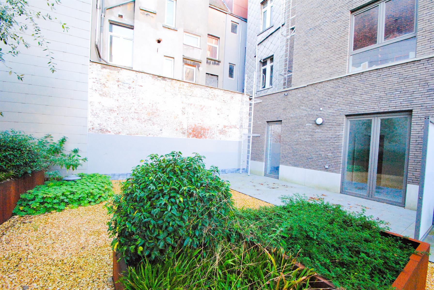 Nieuwbouw gvl 2 slpk app met terras/tuin