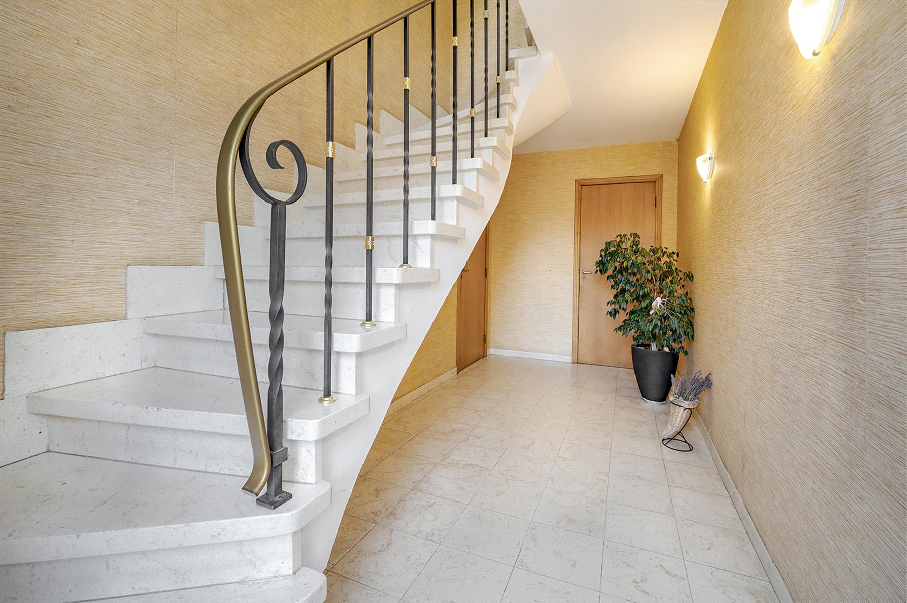 Immeuble à appartements - Lincent - #3917045-3