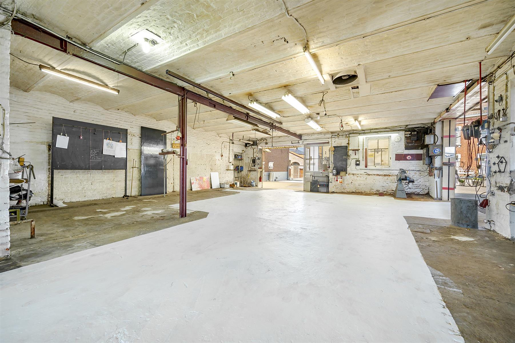Atelier - Remicourt - #4086860-1