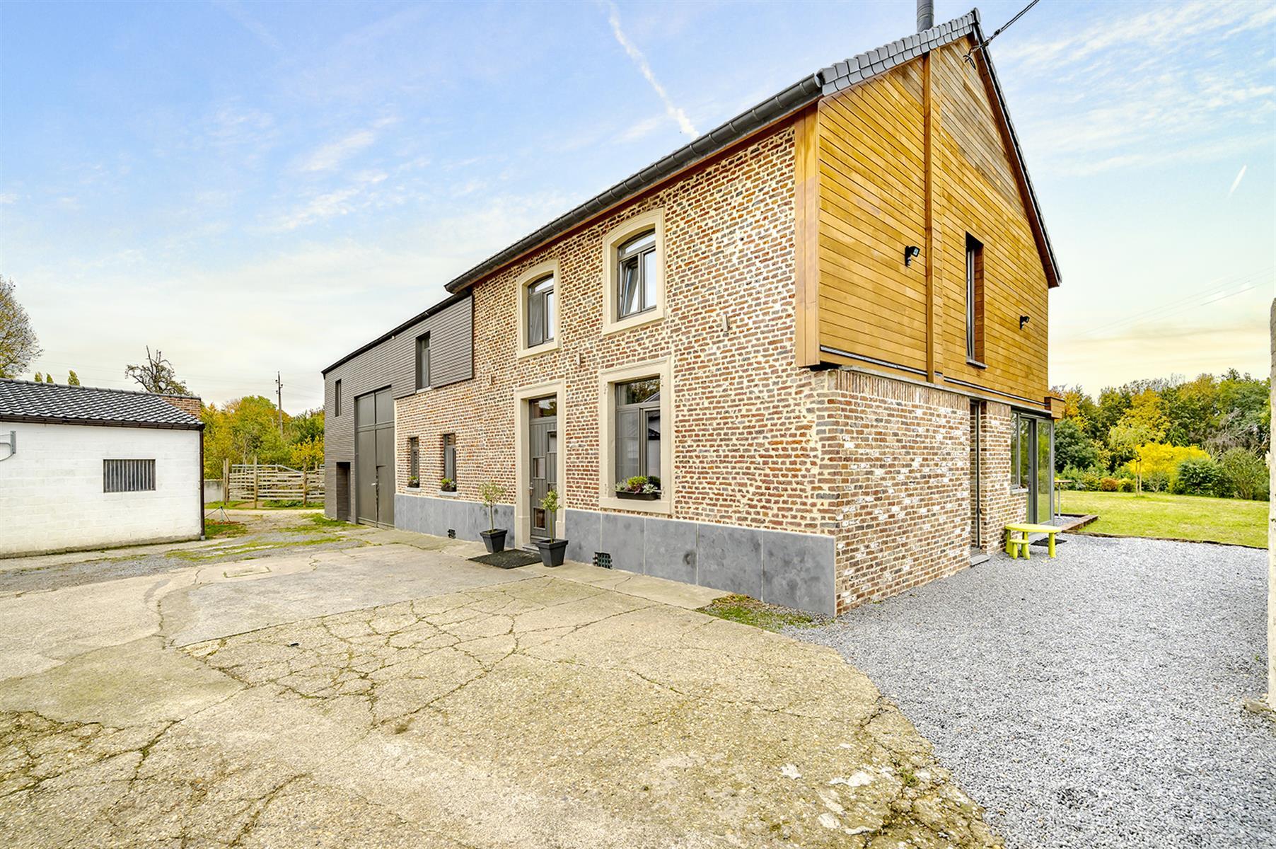 Immeuble mixte - Villers-le-Bouillet - #4221229-0