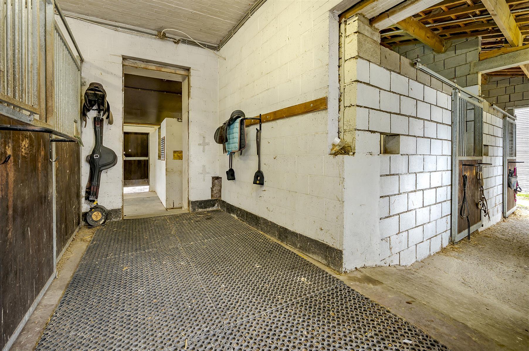 Immeuble mixte - Villers-le-Bouillet - #4221229-24