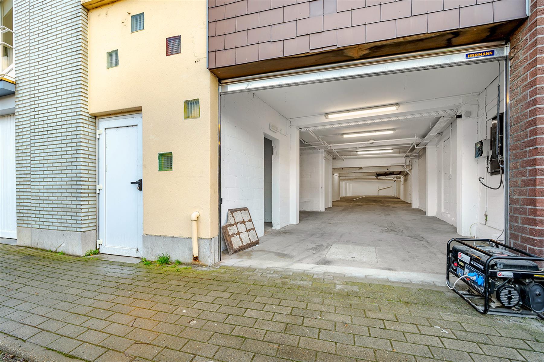 Parking intérieur - Waremme - #4280201-18